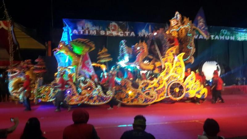 Kontingen Kota Malang pukau penonton di Gelaran Jatim Specta Night Carnival 2016