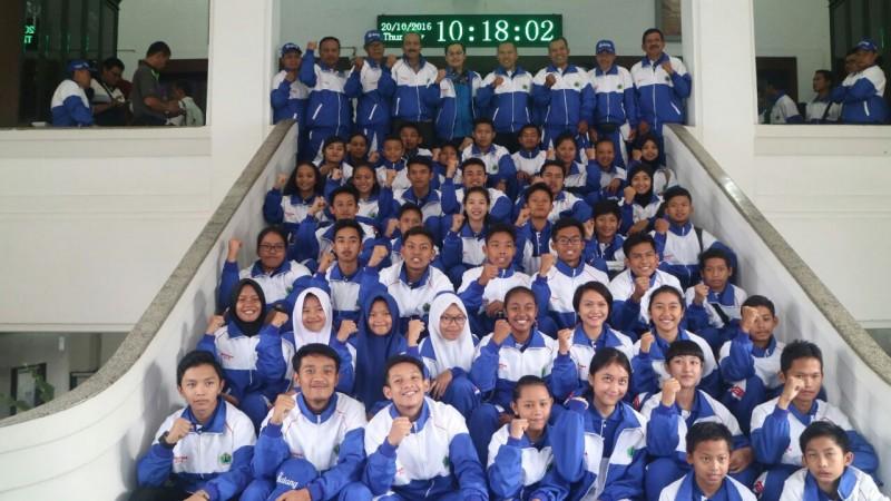 Wawali Lepas Kontingen Kota Malang Pada Pekan Olahraga Pelajar Daerah (POPDA) XI Kota Malang Tahun 2016