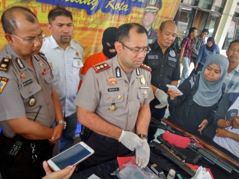 Penjual Bakso di Singosari Jago Rakit Pistol dan Jual Sabu