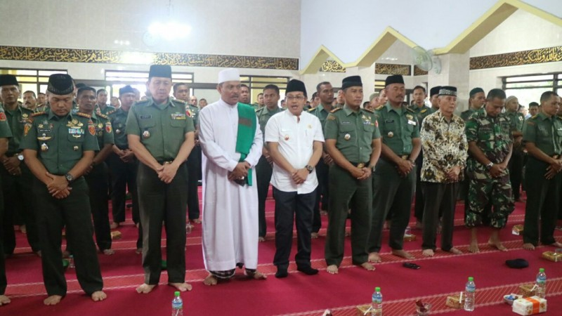 Wawali Hadiri Peringatan Maulid Nabi Muhammad SAW 1438 H, TNI-Polri se wilayah Malang