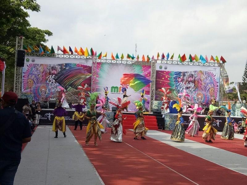 214 Peserta Ramaikan Malang Flower Carnival 2017