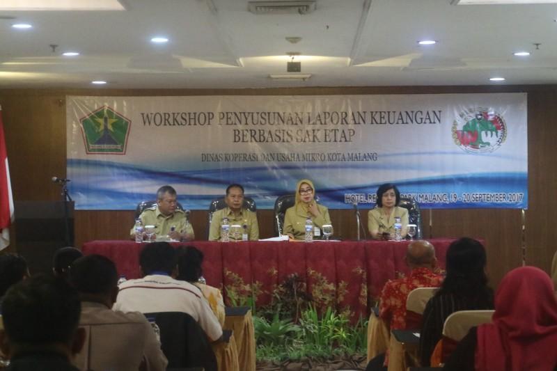 Workshop Keuangan Berbasis SAK ETAP oleh Dinas Koperasi dan UKM kota Malang