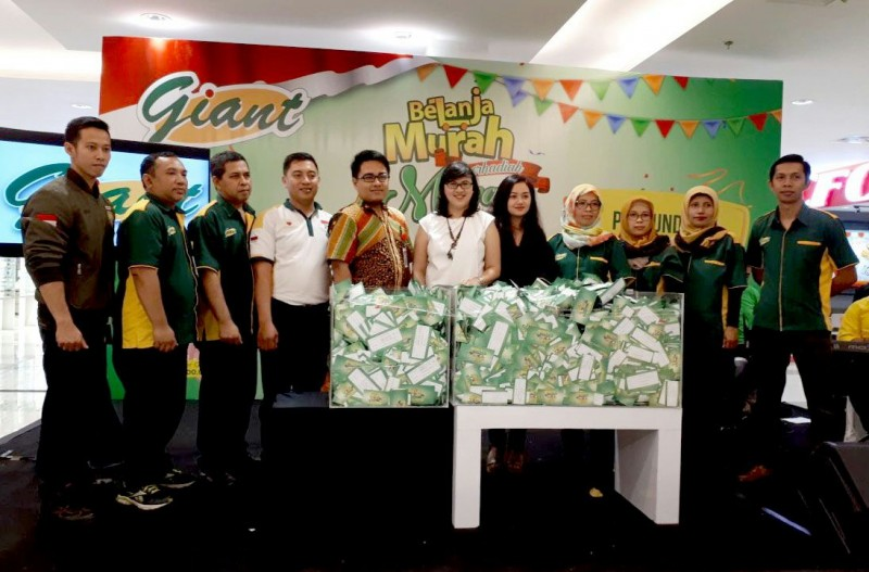 Giant Manjakan Pelanggan Setia, Hingga Bagikan Mobil Datsun Go di Malang
