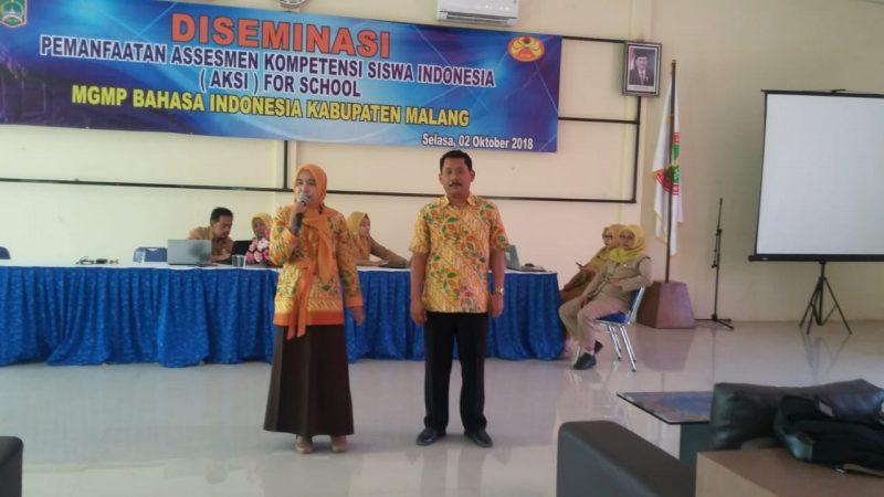 MGMP Bahasa Indonesia Kabupaten Malang Workshop Bahas soal HOTS