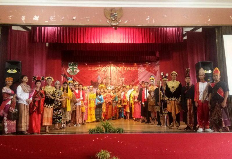 Angkat Keberagaman Adat Nusantara, SMAK Corjesu Peringati Sumpah Pemuda