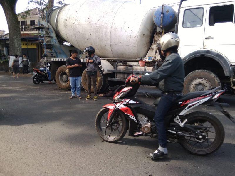 Pengendara MotorTewas Setelah Bertabrakan Dengan Truck Molen