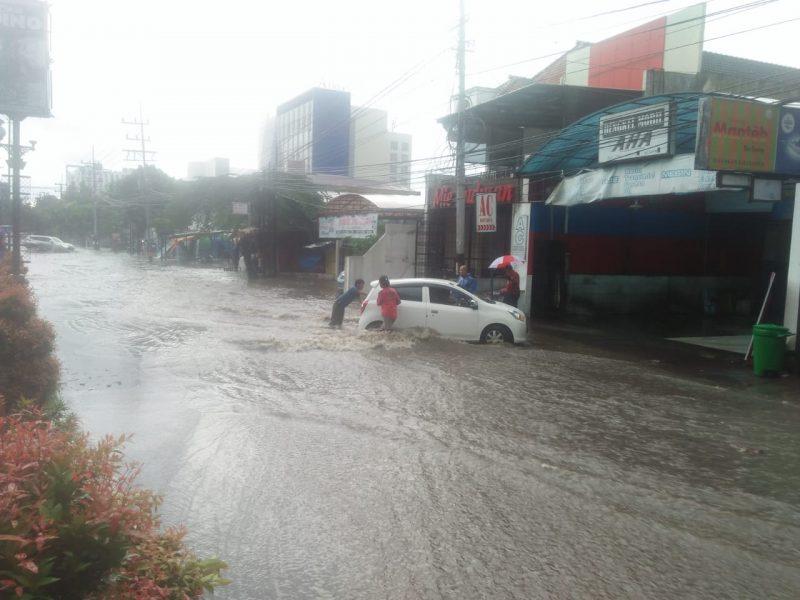 Hujan Hanya Satu Jam, Sepanjang Letjend Sutoyo Berubah Menjadi Sungai