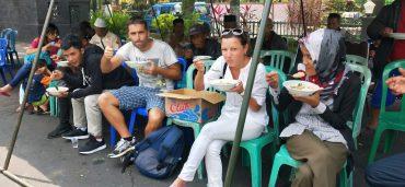 Masyarakat dan Kodim 0833 Semakin Mesra Dalam Kegiatan Jumat Mulia