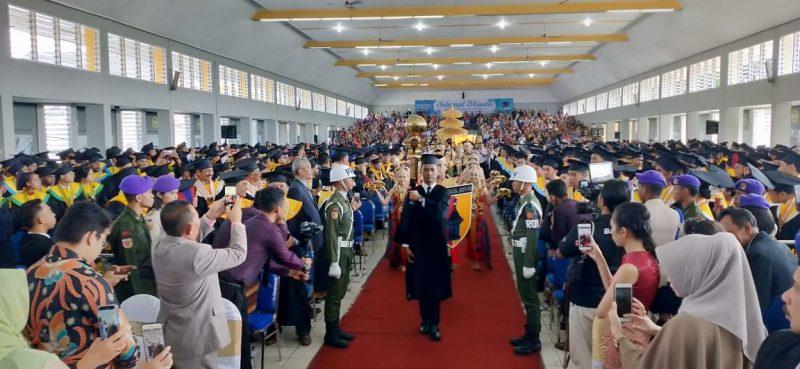 Unmer Malang Wisuda 742 wisudawan Entrepreneur