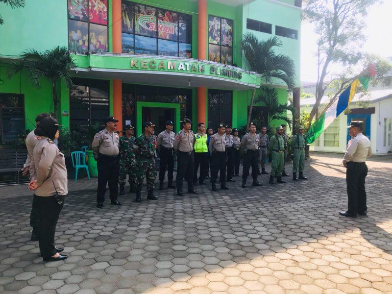 TNI Polri Bersinergi Menjaga PPK Kecamatan Blimbing