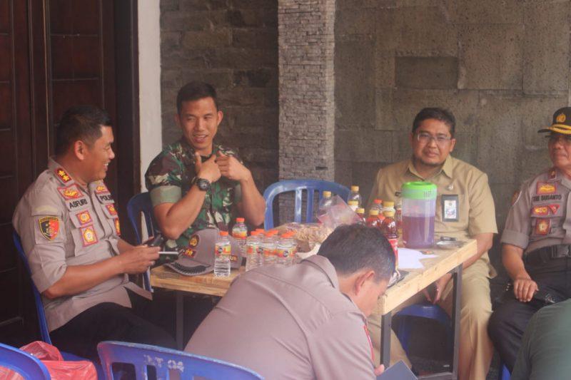 Dandim 0833 bersama Kapolres Malang Kota Pantau Pelaksanaan Pemilu Ulang di Kota Malang