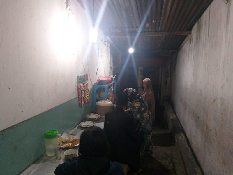 Melegenda! Meski Usia Tak Muda Lagi, Muslifah Selama 39 Tahun Tetap Berjualan