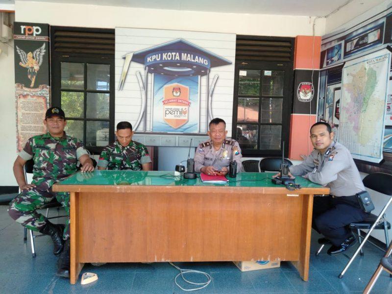Kodim 0833 dan Polres Malang Kota, Kawal Ketat Kantor KPU Kota Malang