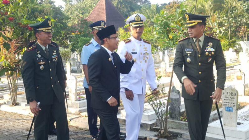 Dandim 0833, Danrem 083 dan Walikota Malang Ziarah Peringati Hari Kebangkitan Nasional ke-111 Tahun 2019