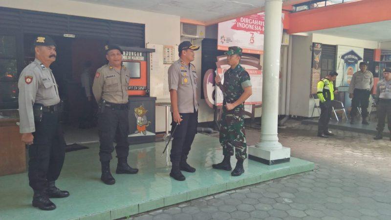 Dandim 0833 dan Kapolres Malang Kota Patroli bersama ke Kantor KPU Kota Malang
