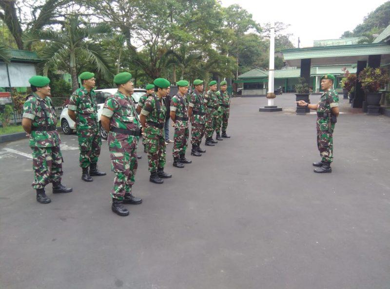 Personel Kodim 0833 Siaga Pengamanan Lebaran