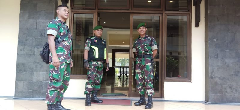 Teleconference Sidang PHPU Di FHUB Tetap Dijaga Ketat Personil Kodim 0833 Kota Malang