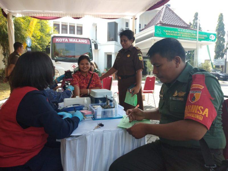 Kodim 0833 Berpartisipasi Donor Darah Hari Bhakti Adhiaksa dan IAD