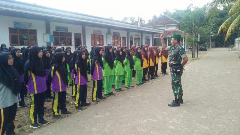 Satgas TNI Manunggal Membangun Desa (TMMD) ke 105 Kodim 0825/Banyuwangi Berikan Wawasan Kebangsaan