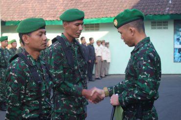 Dandim 0833 Pimpin Upacara bendera, Penerimaan Anggota Baru Dan Pelepasan Anggota Pindah Satuan