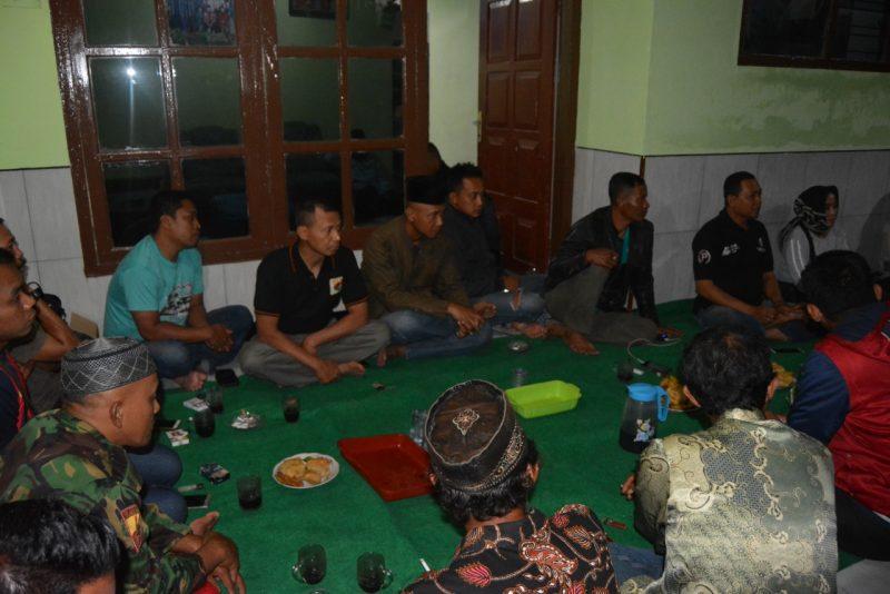 Anggota Satgas TMMD Ke 105 Kodim 0825/Banyuwangi Menghadiri Rapat Koordinasi Perayaan HUT RI