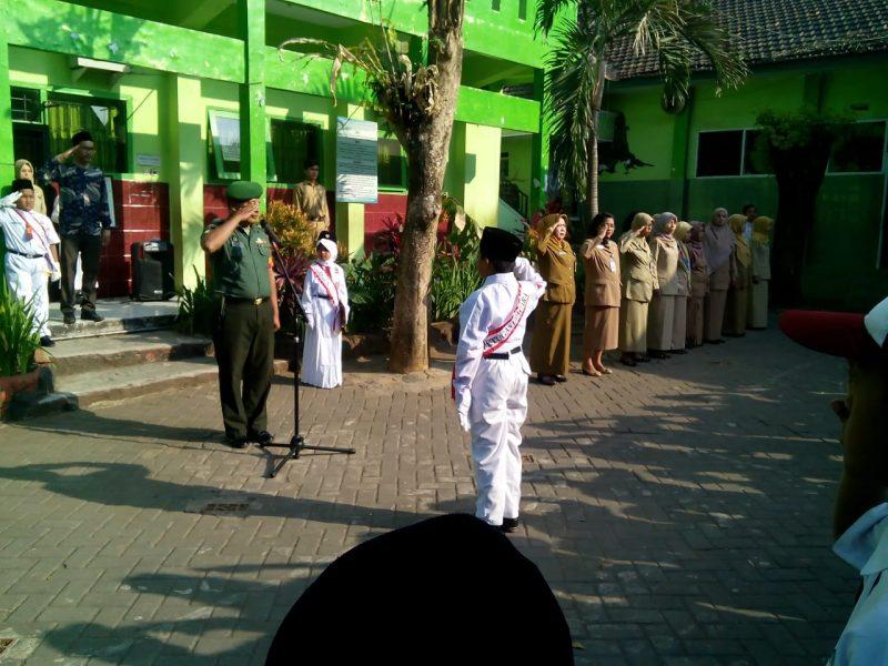 Babinsa Sahabat Siswa di SDN 01 Kelurahan Pandanwangi Kecamatan Blimbing Kota Malang