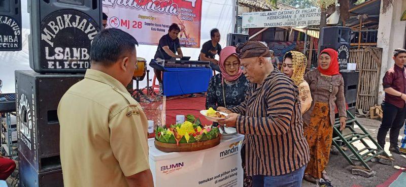 Danramil Blimbing Apresiasi Inisiatif Pedagang Pasar Blimbing