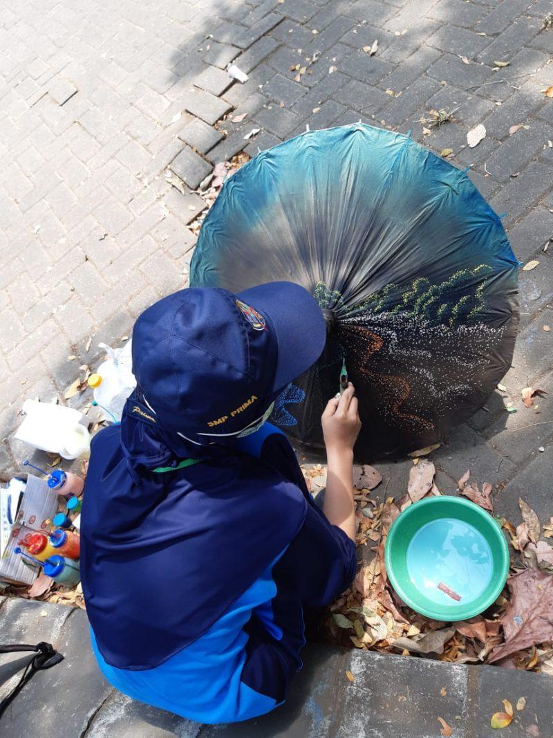Ribuan Siswa SMP se – Kabupaten Malang Ikuti Lomba Melukis Payung