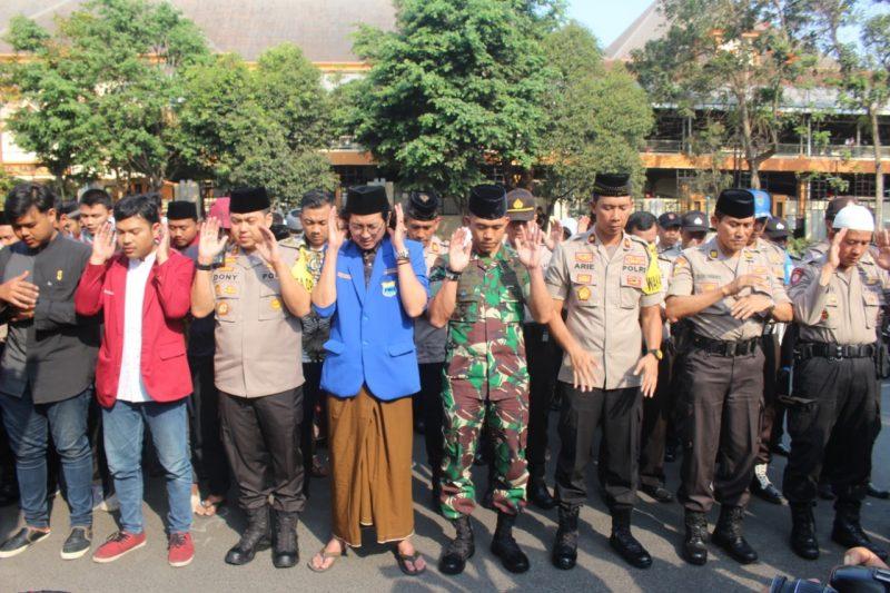 Kapolres Malang Kota, Dandim 0833, Mahasiswa, Bhayangkari dan Yatim Piatu Gelar Doa Bersama