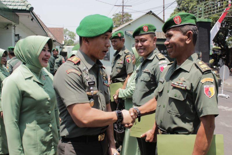 Dandim 0833/Kota Malang Pimpin Pelepasan Anggota Purna Tugas