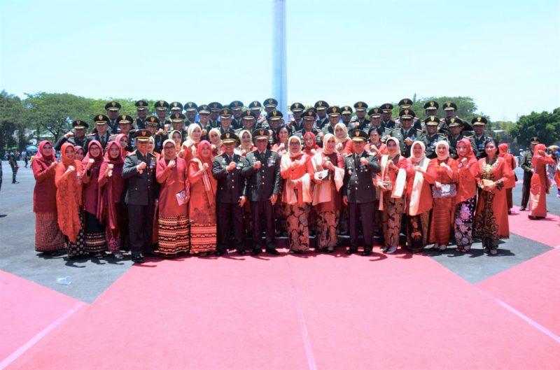 Pangdam V Brawijaya Pimpin Upacara HUT TNI ke-74