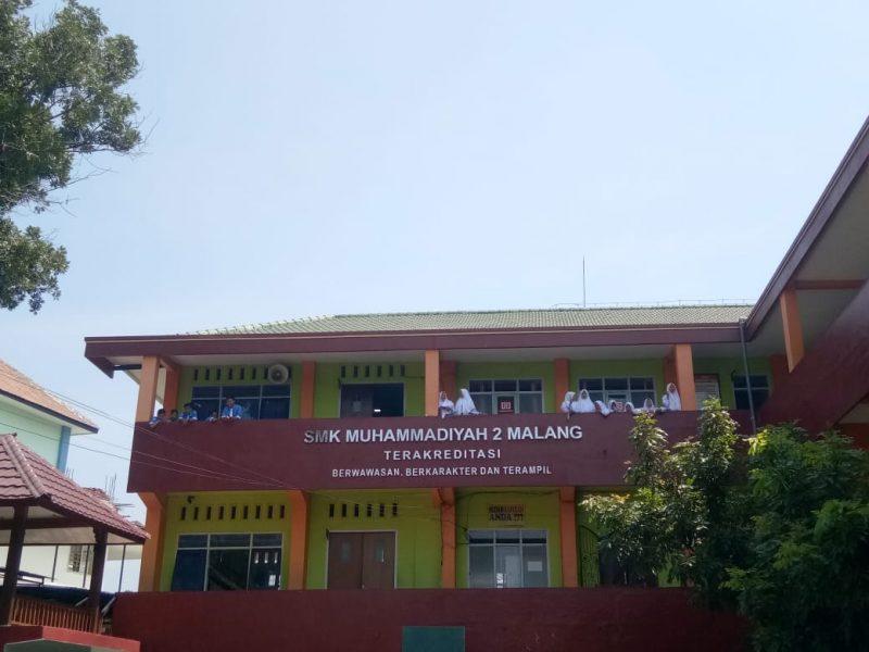 Aksi Koboy Motivator Menempeleng Beberapa Siswa SMK Muhammadiyah 2 Malang