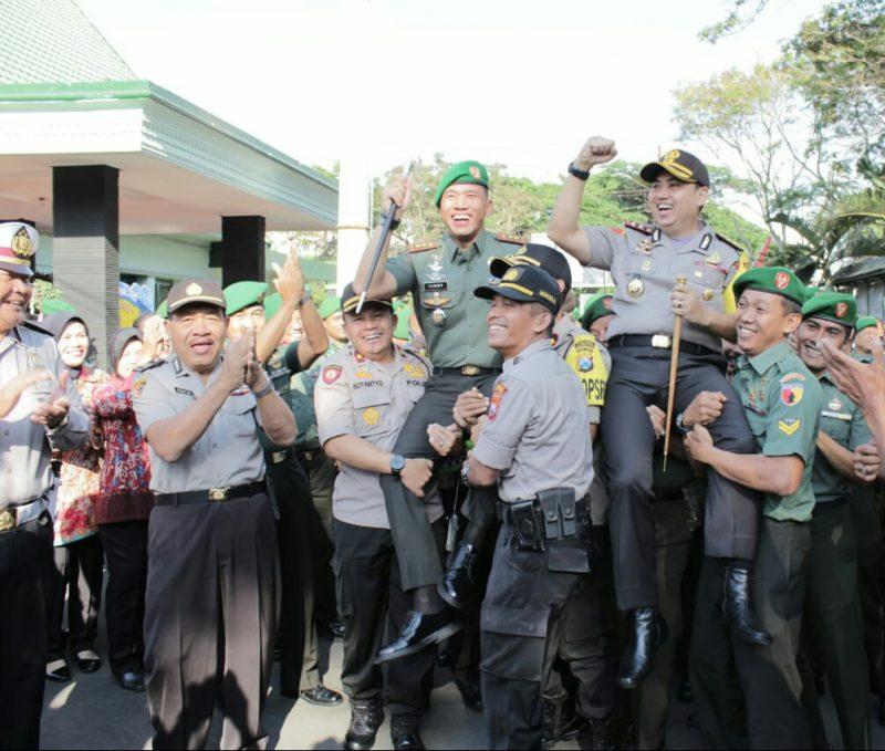 Polres Malang Kota Serbu Kodim 0833 dan Korem 083