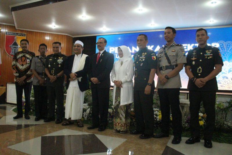 Dandim 0833 Hadiri Pelantikan Rektor Unmer Malang
