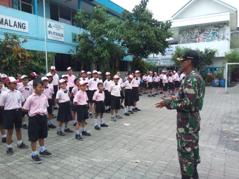 SDK Petra Malang Mendapat Pelatihan PBB dan Wawasan Kebangsaan