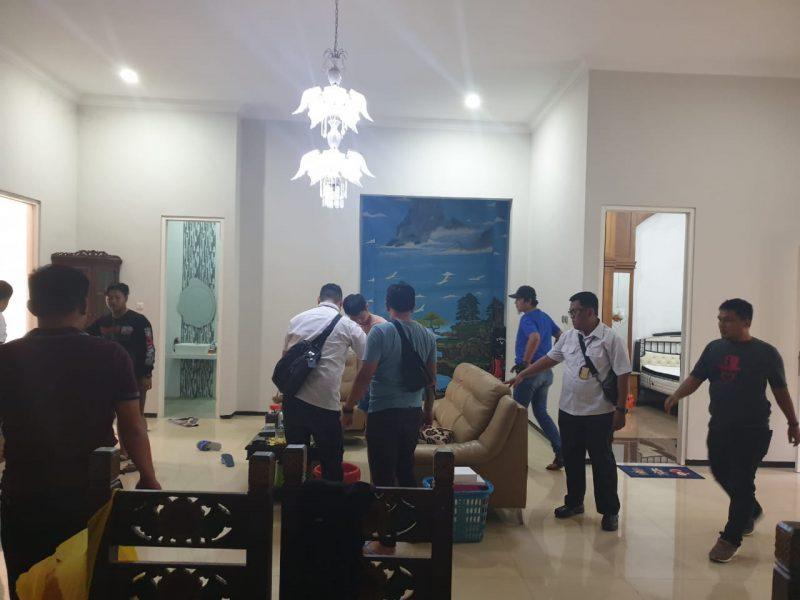 Enam WNA dan 1 WNI Diamankan di Malang Oleh Tim Gabungan Polri