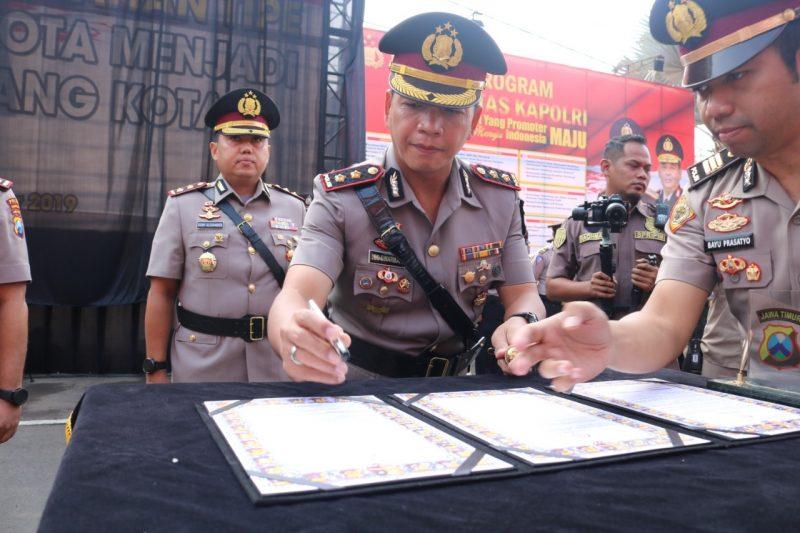 Seorang Pria Menembakan Senjata Api di Tempat Karaoke di Kota Malang