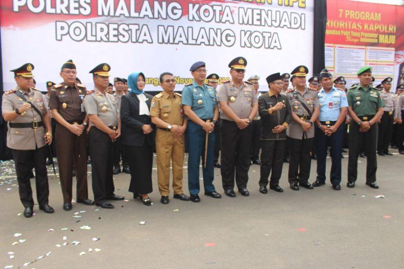 Kasdim 0833/Kota Malang menghadiri Sertijab Kapolres  Malang Kota
