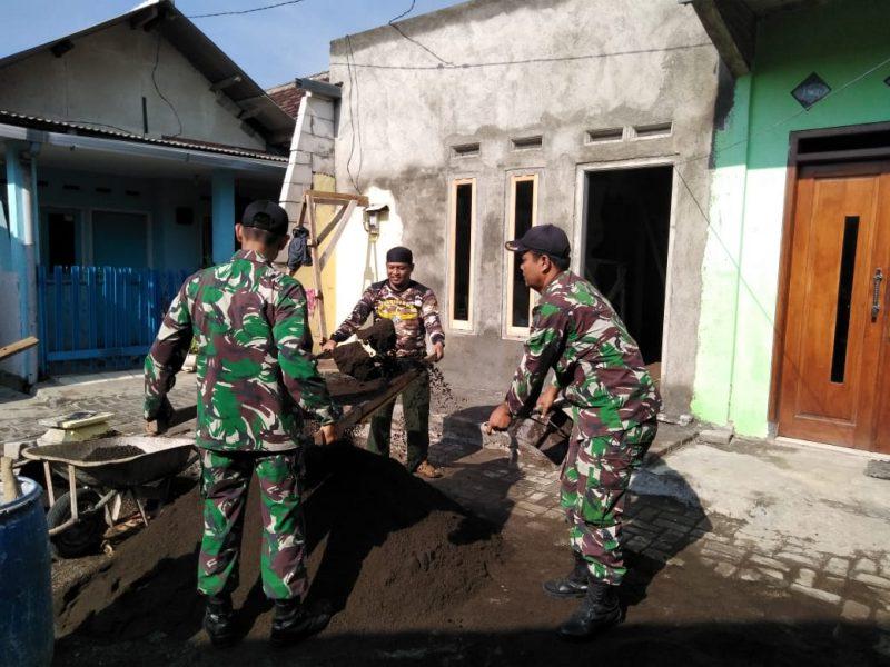 Babinsa Koramil 0833/05 Lowokwaru Bantu Bangun RTLH