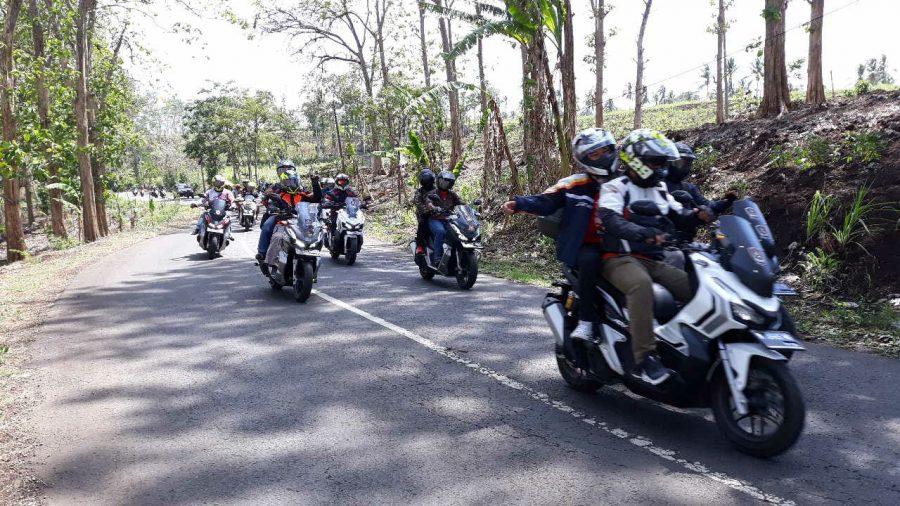 Komunitas Dan Konsumen Honda ADV150 Eksplore Wisata di Kota Malang