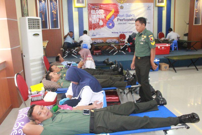 Prajurit Kodim 0833 Kota Malang Turut Meriahkan Hari Bhakti Perbendaharaan ke 16