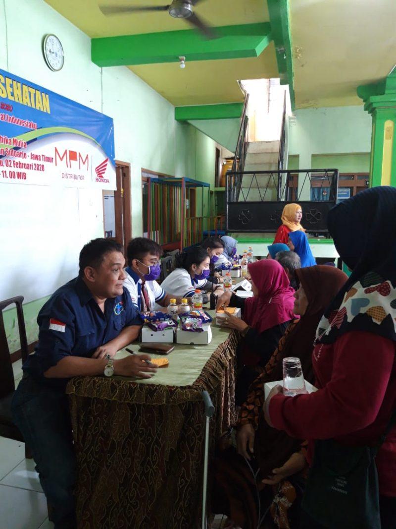 Dukung Program Lansia Sehat 2020, MPM Berikan Pengobatan Gratis kepada 150 Lansia