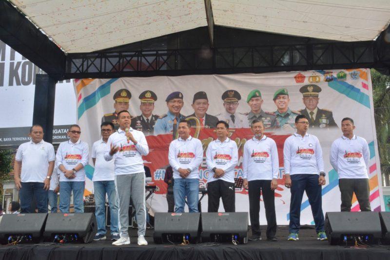 Dandim 0833/Kota Malang Ikuti Kegiatan Jatim Sehat di Car Free Day Jl.Ijen Kota Malang