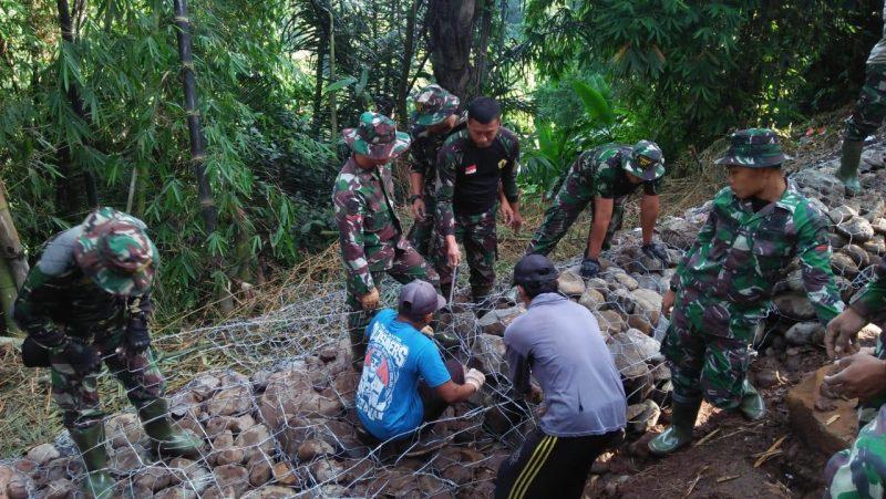 TNI Polri, Pemda dan Warga Sukseskan TMMD