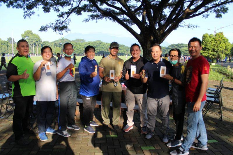 Cegah Covid-19, Kodim 0833/Kota Malang Bagikan Hand SanitizerGratis