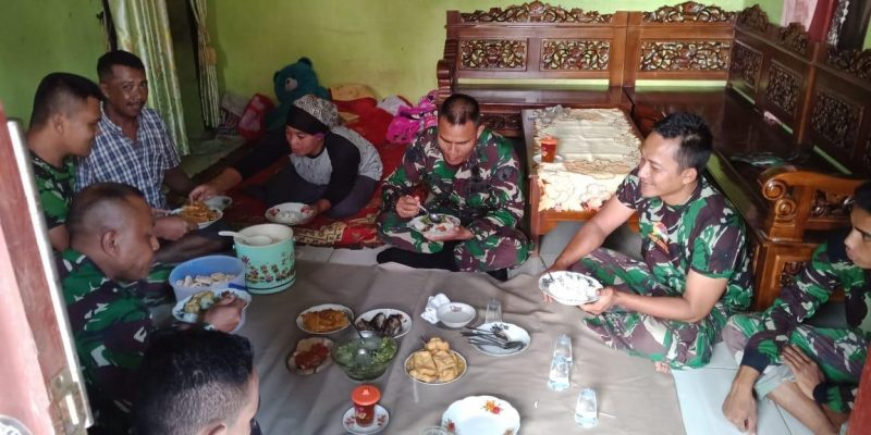 Satgas TMMD Akrabkan diri dengan Sarapan Bersama Warga Dusun Tlogosari