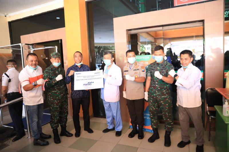 Dandim 0833/Kota Malang Hadiri PenyerahanSarCovid Boothkepada Rumah Sakit dr. Saiful Anwar Malang