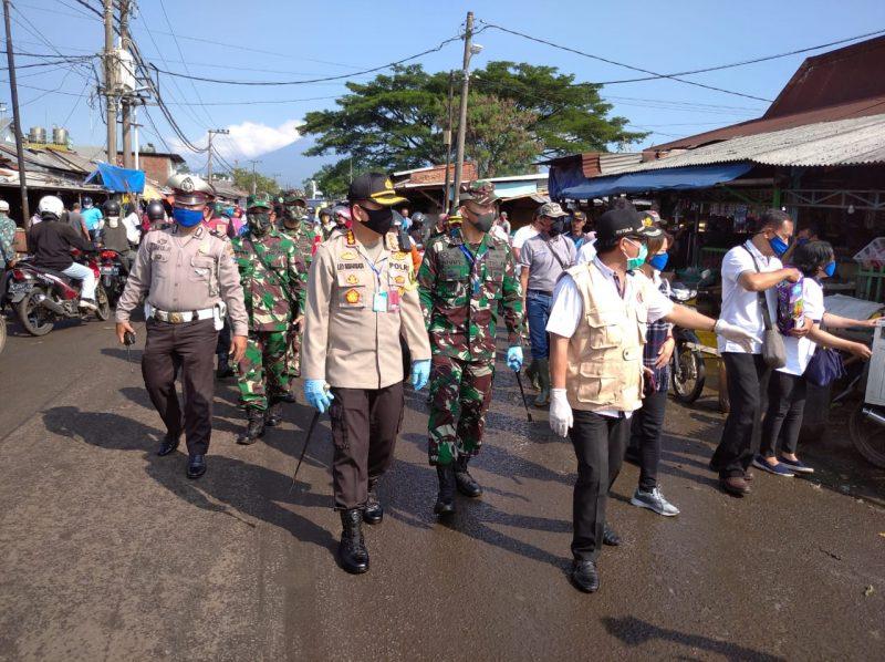 Dandim 0833 dan Forkopimda Kota Malang Melakukan Peninjauan di Pasar Induk Gadang