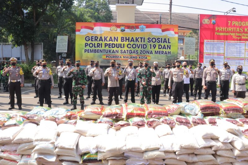 Kapolresta Malang Kota Bersama Dandim 0833 Kota Malang Memimpin Langsung Bhakti Sosial Untuk Masyarakat