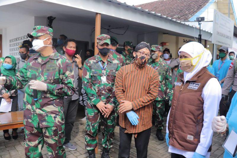Dandim 0833 Kota Malang Dampingi Gubernur Jawa Timur Tinjau Langsung Penerapan Lumbung Pangan Kampung Kota Malang